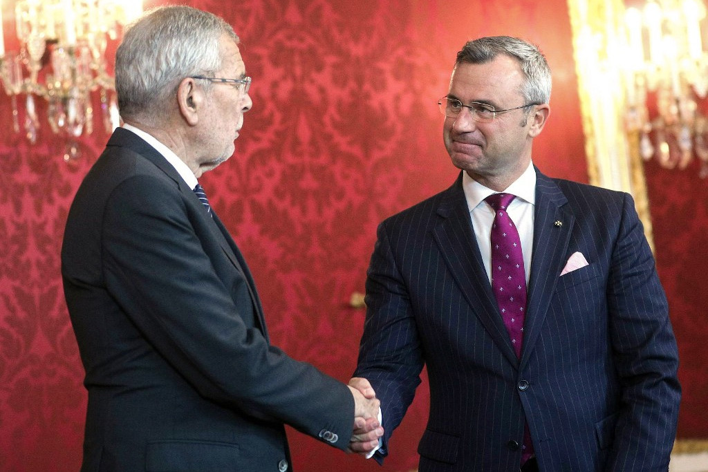 Alexander Van der Bellen szövetségi elnök és Norbert Hofer, az Osztrák Szabadságpárt kijelölt elnöke