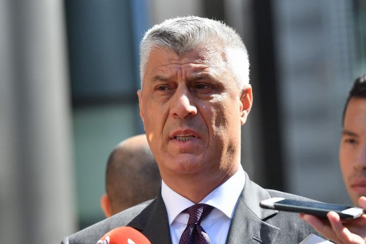 A koszovói elnök az ország Albániával való egyesítésével fenyegetőzik