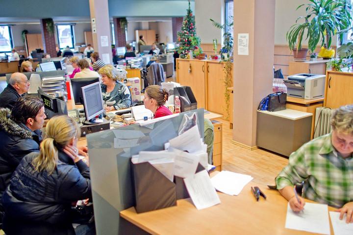 Telefonos ügyfélszolgálat segíti az adózókat 20-áig