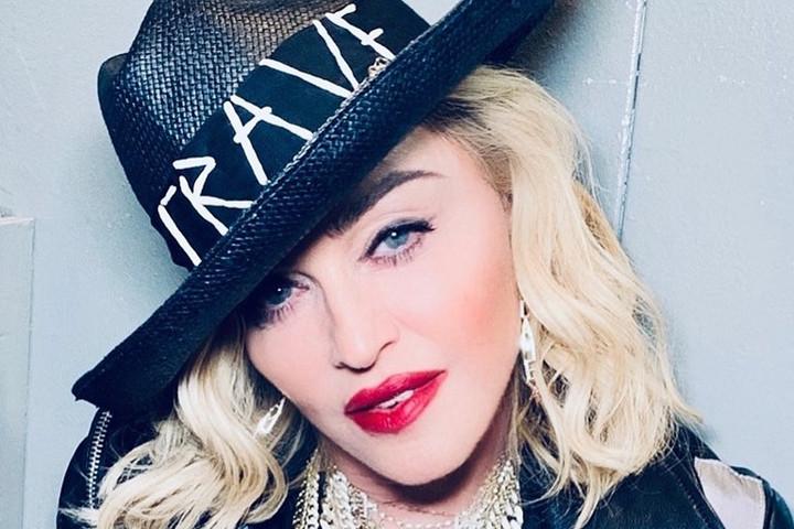 Madonna  felléphet az Eurovízión