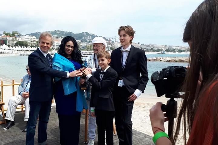 Egy tizenhárom éves pécsi fiú nyert Cannes-ban díjat