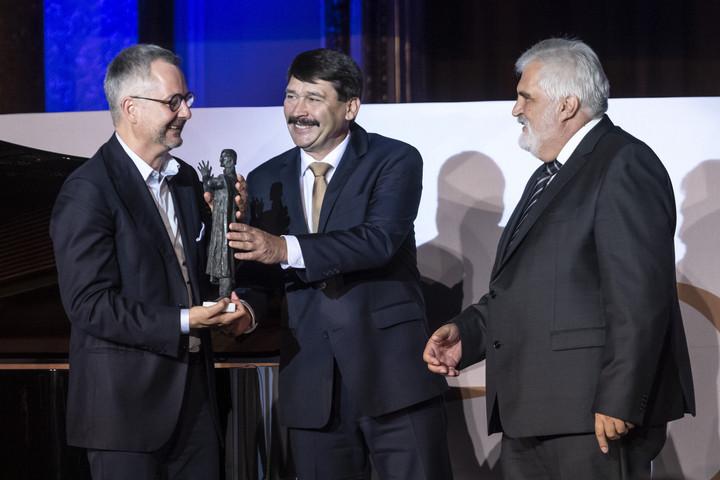 Barabási Albert-László hálózatkutató kapta az idei Bolyai-díjat