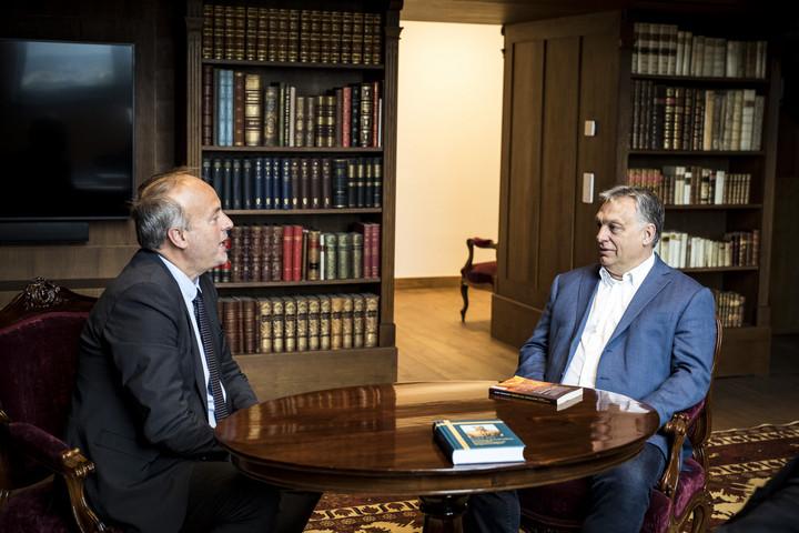 A keresztényüldözésről és a bevándorlásról tárgyalt Orbán Viktor