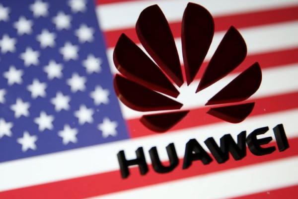 A Google felfüggeszti több együttműködését a Huawei céggel