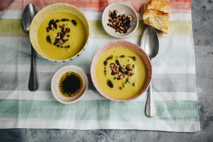 Vitamindús és diétás vacsora a vegán karfiolkrémleves