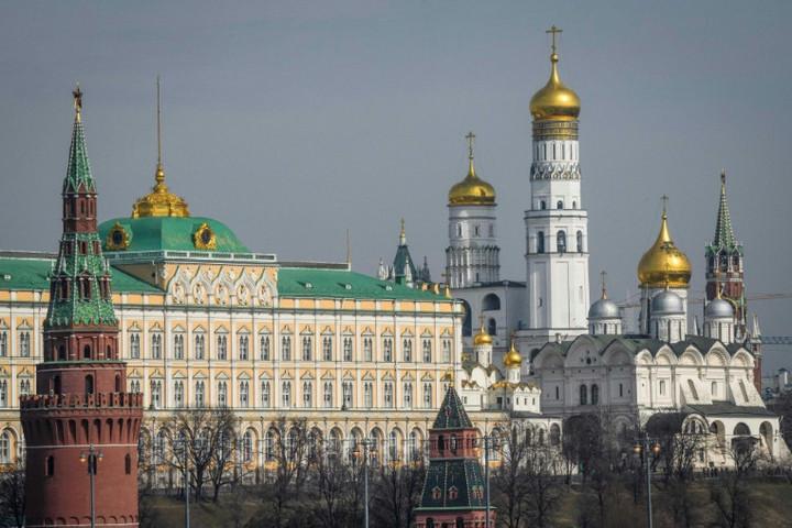 Moszkva: A haditechnika karbantartására repült orosz gép Venezuelába