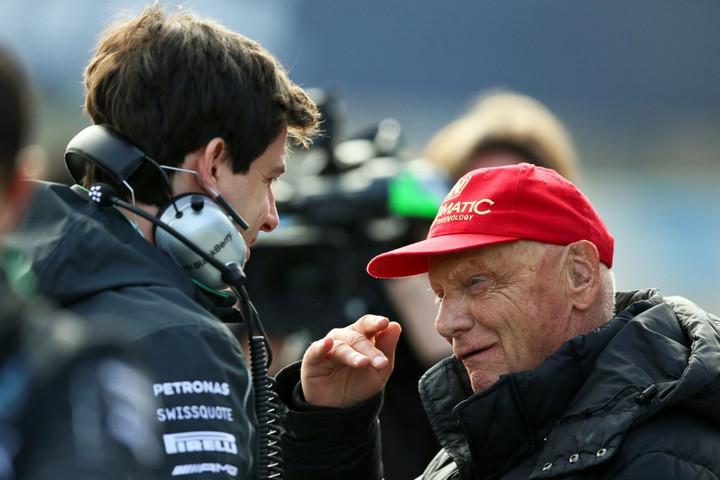 Örök emléket állít Niki Laudának a Mercedes