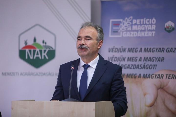 """""""Megvédjük a brüsszeli tervektől a magyar gazdákat és az agráriumot"""""""