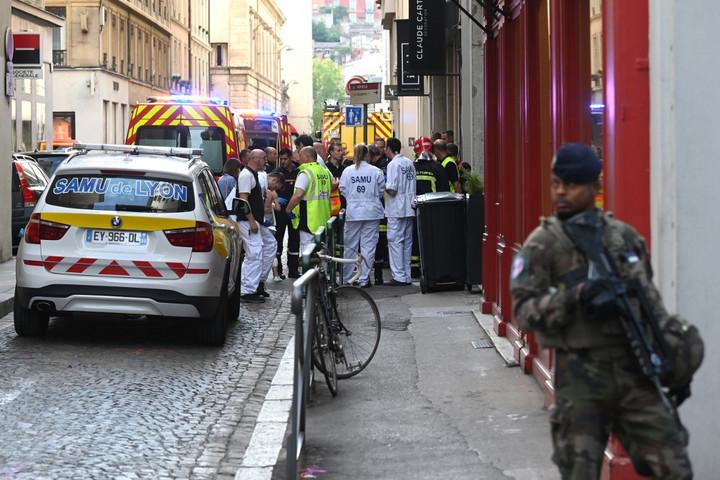 Bomba robbant Lyonban, többen megsérültek