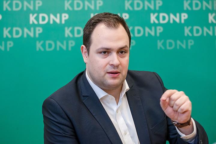 Nacsa Lőrinc: Meg kell akadályozni, hogy ellenzékiek bűnözőket segítsenek