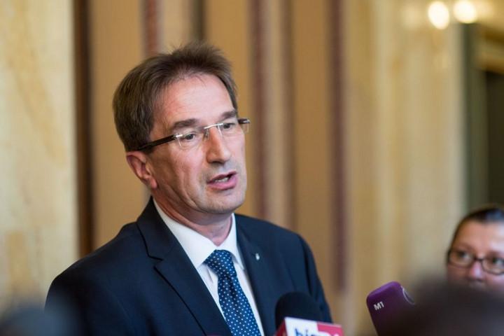 """""""A strasbourgi bíróságnak nem a """"deviáns kisebbségek"""" igényeit kellene érvényesítenie"""""""
