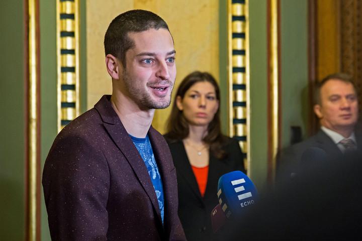 Fidesz: Az ellenzéki pártok egyetlen béremelést sem szavaztak meg