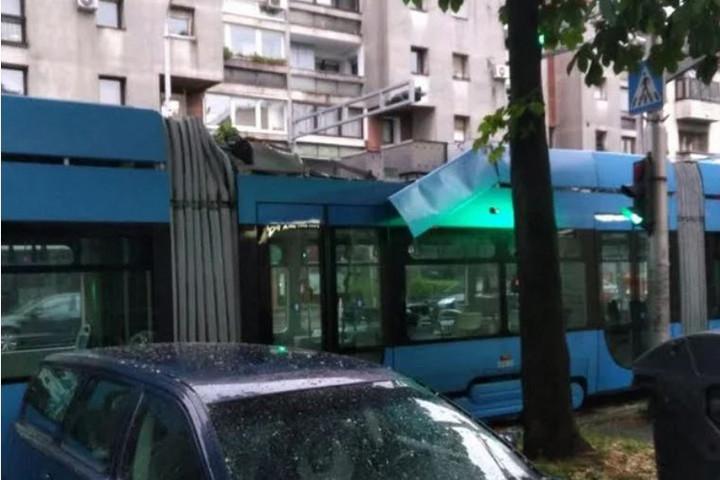 Szélvihar söpört végig Horvátország északi részén, akadozik a közlekedés