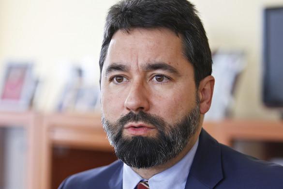 A migránskártyák megszüntetését fogja kezdeményezni a Fidesz az új Európai Parlamentben