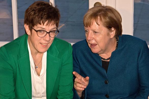 Visszavonulót fújt Angela Merkel