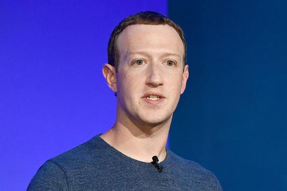 Facebook-furcsaságok: aszabálykönyv szentség, ahorogkereszt tiltott, asarló‑kalapács belefér