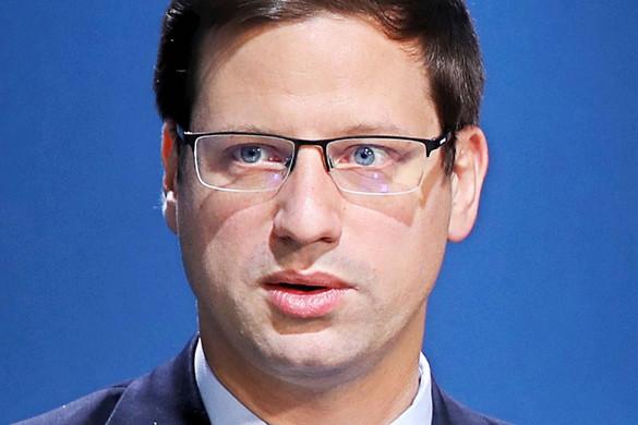 Gulyás Gergely: Weber bizottsági elnökségét továbbra sem támogatjuk