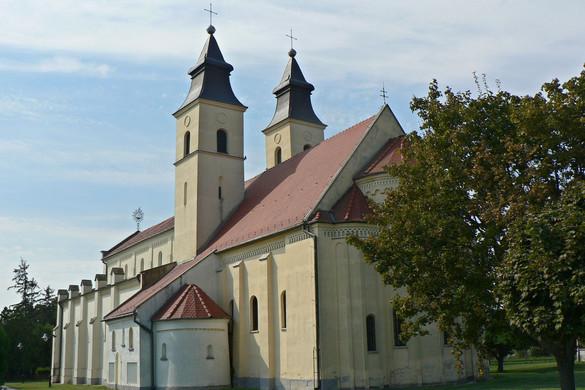 A Deáki kápolna kettős tornya
