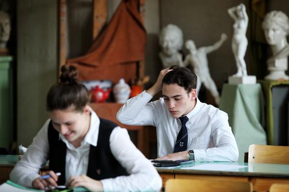 A matematika írásbelikkel folytatódtak az érettségi vizsgák