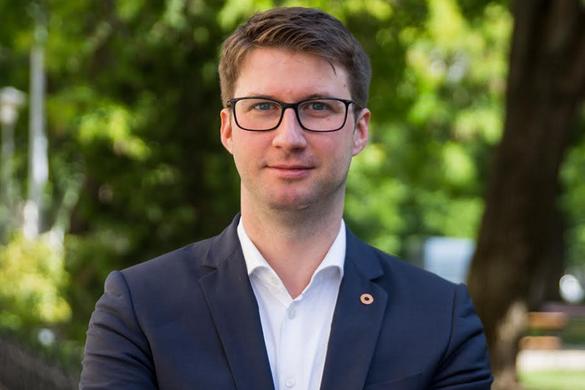 Fidesz: Gyurcsányék agyonadóztatták a magyar vállalkozásokat
