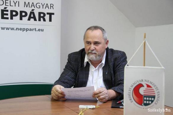 Romániai magyar pártok virrasztottak a úzvölgyi katonatemető előtt