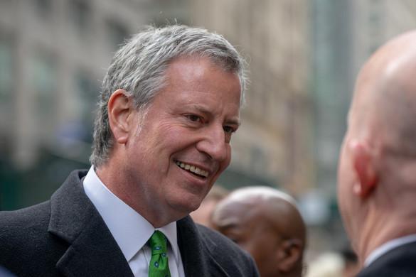 New York polgármestere is indul a demokrata elnökjelöltségért