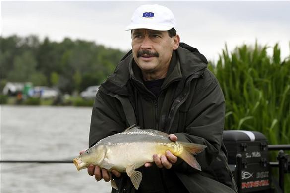 Áder: A horgászat a legtöbb embert vonzó szabadidős sport hazánkban