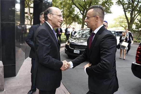 Külgazdasági és konzuli képviseletet nyitott meg a külügyminisztérium Houstonban