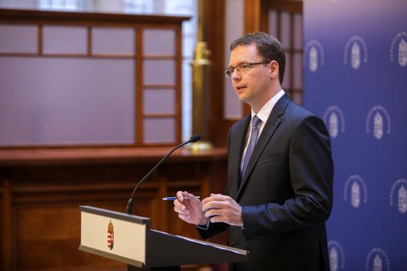 Izer Norbert: A globális minimumadóról egyeztetett az adószakma