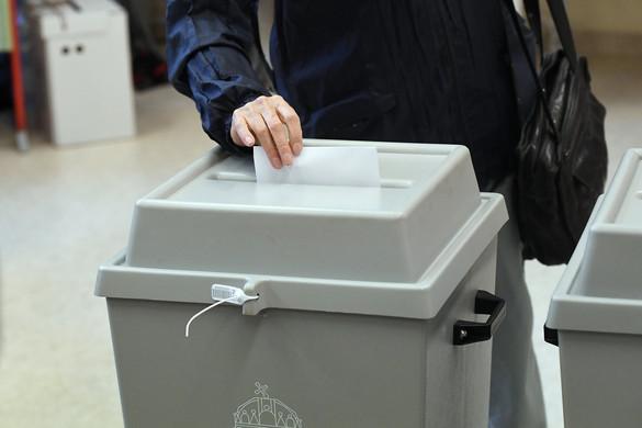 Megkezdődött az európai parlamenti választás
