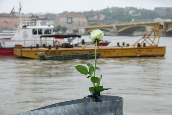 Már csak egy ember van kórházban a hajóbaleset túlélői közül