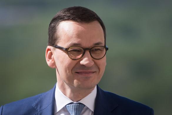 Lengyelországban a PiS vezet