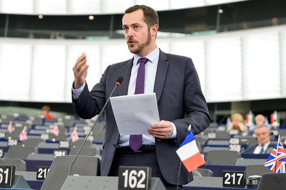 Nicolas Bay: Referendumot nyertünk Macron ellen