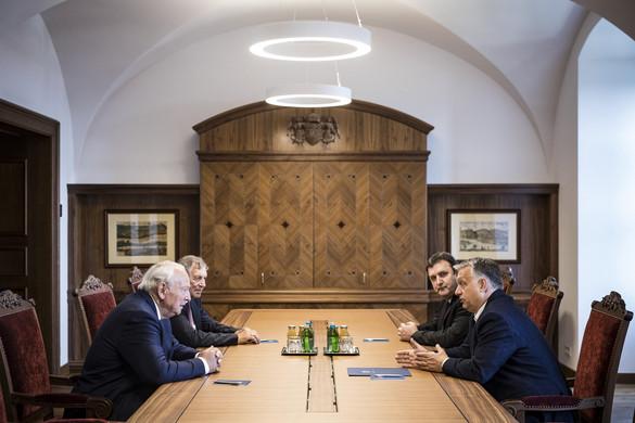 Orbán Viktor a Knorr-Bremse vezetőjével tárgyalt