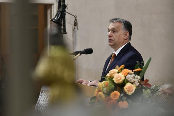 Orbán: Védenünk kell a keresztény hitből kinőtt életformát