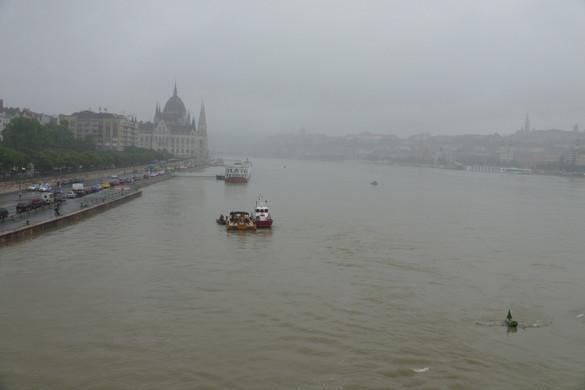 Ideiglenes hajózási zárlat érvényes a Duna fővárosi szakaszán