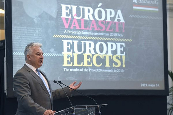 Semjén: Inkorrekt, törvénytelen és antidemokratikus a migráció ügyében képviselt brüsszeli politika