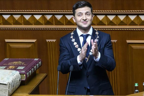Zelenszkij megállapodott a frakcióvezetőkkel az ukrán parlament feloszlatásáról