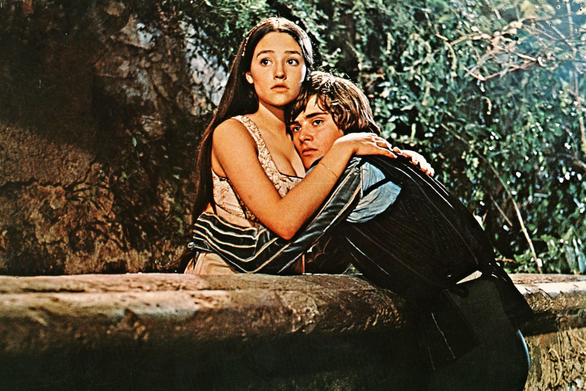 Olivia Hussey és Leonard Whiting maguk is kamaszok voltak, amikor eljátszották Rómeót és Júliát a Zeffirelli-filmben