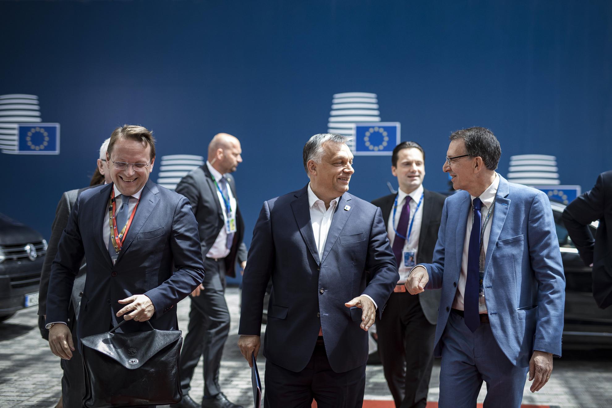 Orbán Viktor miniszterelnök (k) megérkezik a brüsszeli EU-csúcsra 2019. június 20-án
