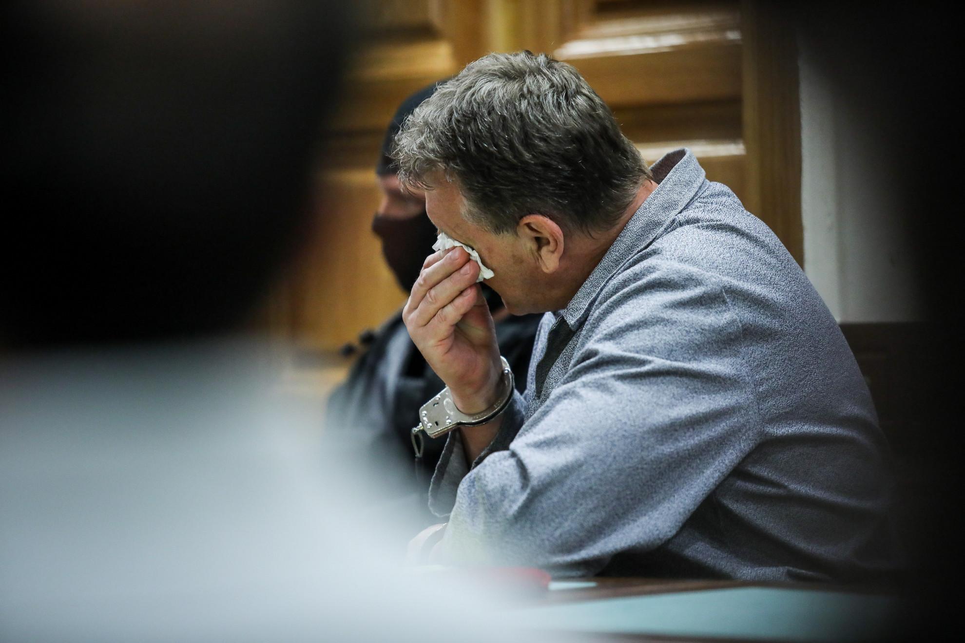 Fazekas Ferenc sírva kérte a bíróságot, hogy függesszék fel büntetését
