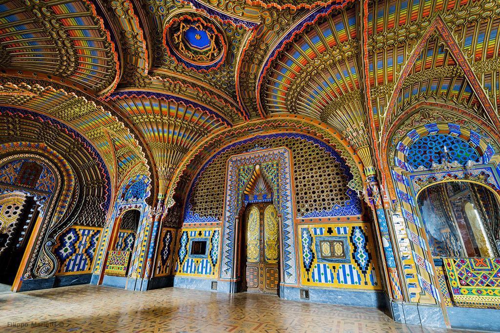 A meseszép épület színes mozaikjainak nem ártott az idő sem