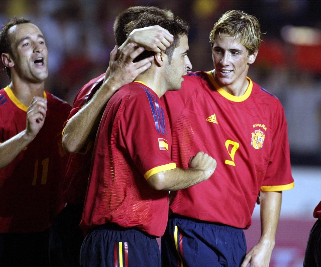 Madridi klasszisok egymást közt: Torres és Raúl a válogatottban