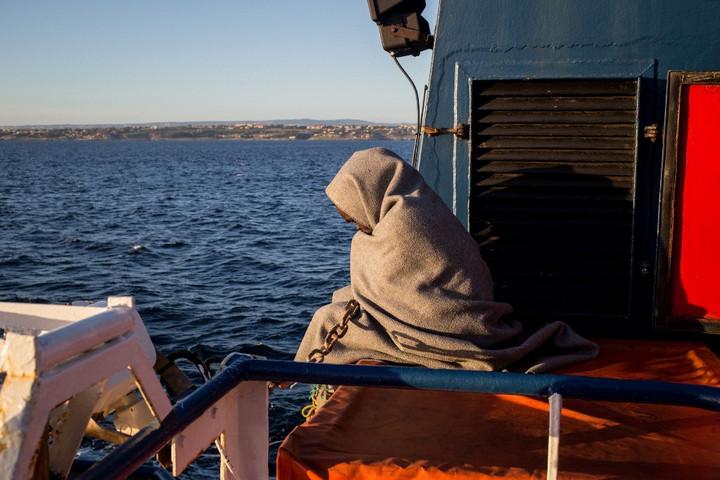 Blokádtörő hajókon érkezik a kvótaterv