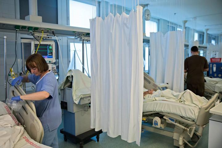 A Momentum a polgári kormánytól csente el egészségügyi programját