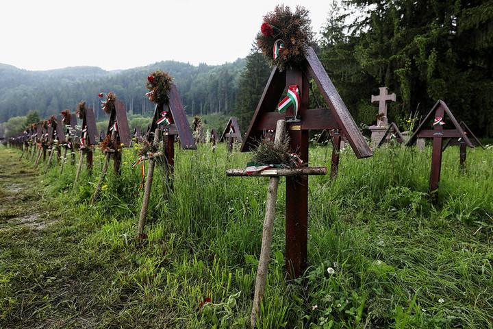 Szijjártó: Elvárjuk az úzvölgyi katonatemető eredeti állapotának helyreállítását