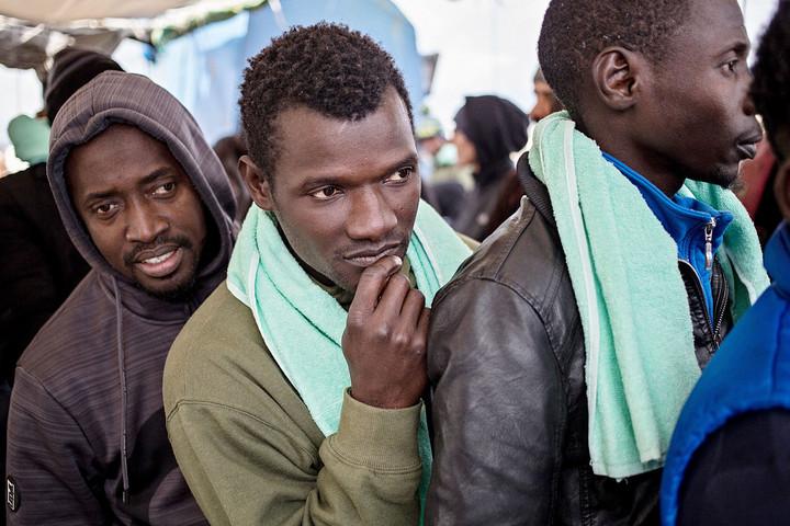 Partra szálltak Lampedusán a Mediterranea hajón utazó menekültek
