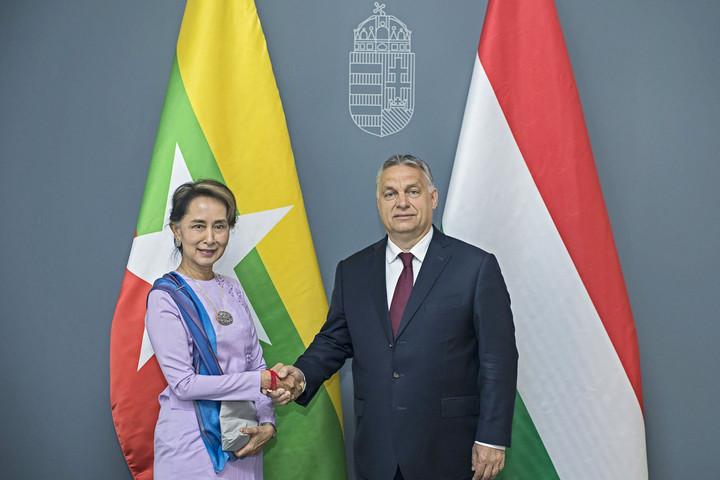 Prime minister meets Aung San Suu Kyi