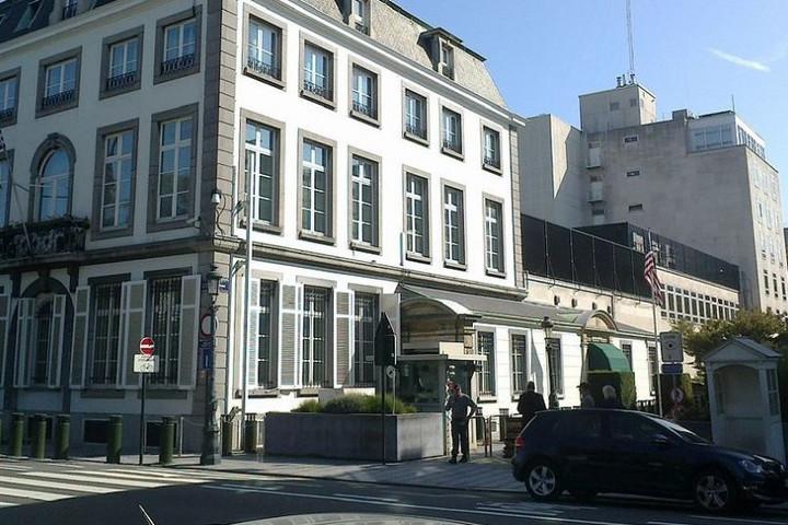 Őrizetbe vettek egy férfit, aki merényletet tervezett a brüsszeli amerikai nagykövetség ellen