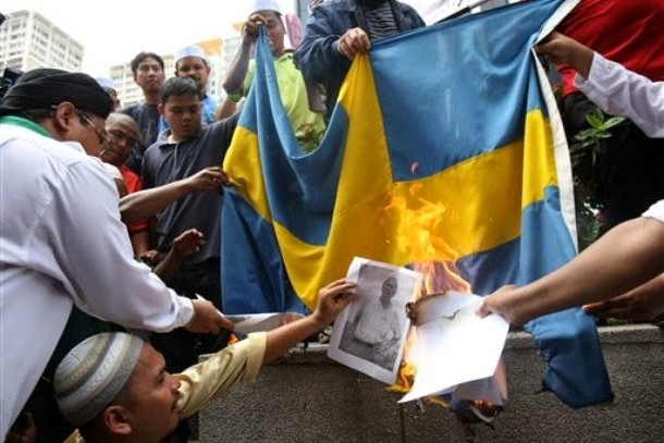 Svédország kiutasít öt radikális imámot